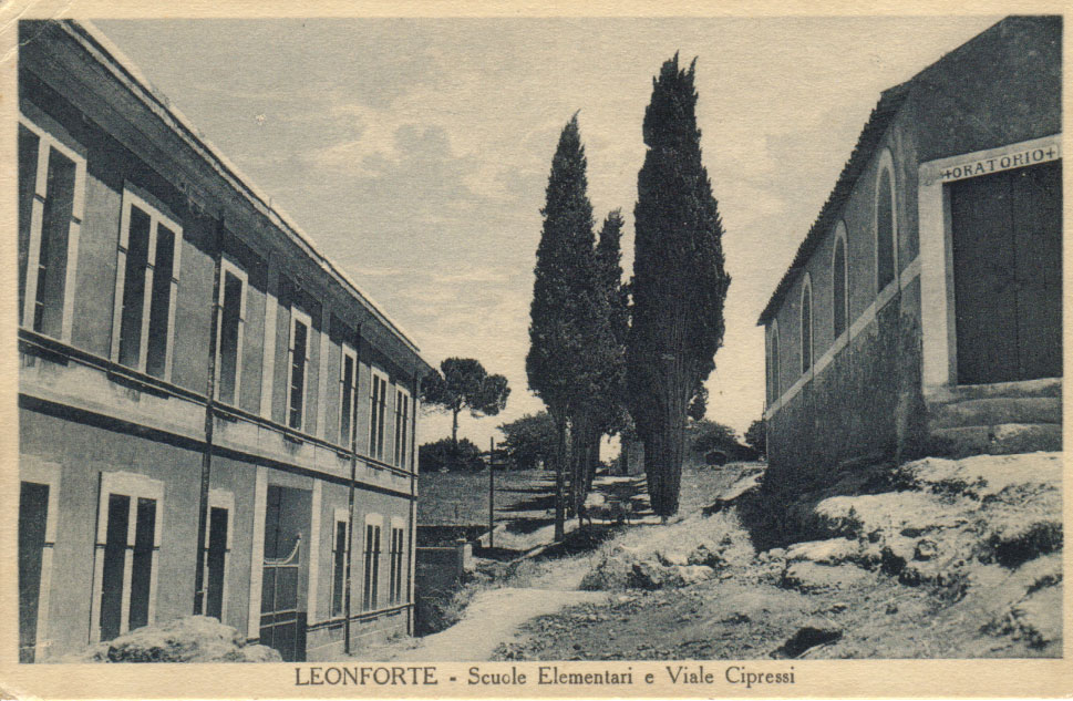 Scuola elementare e Viale Cipressi